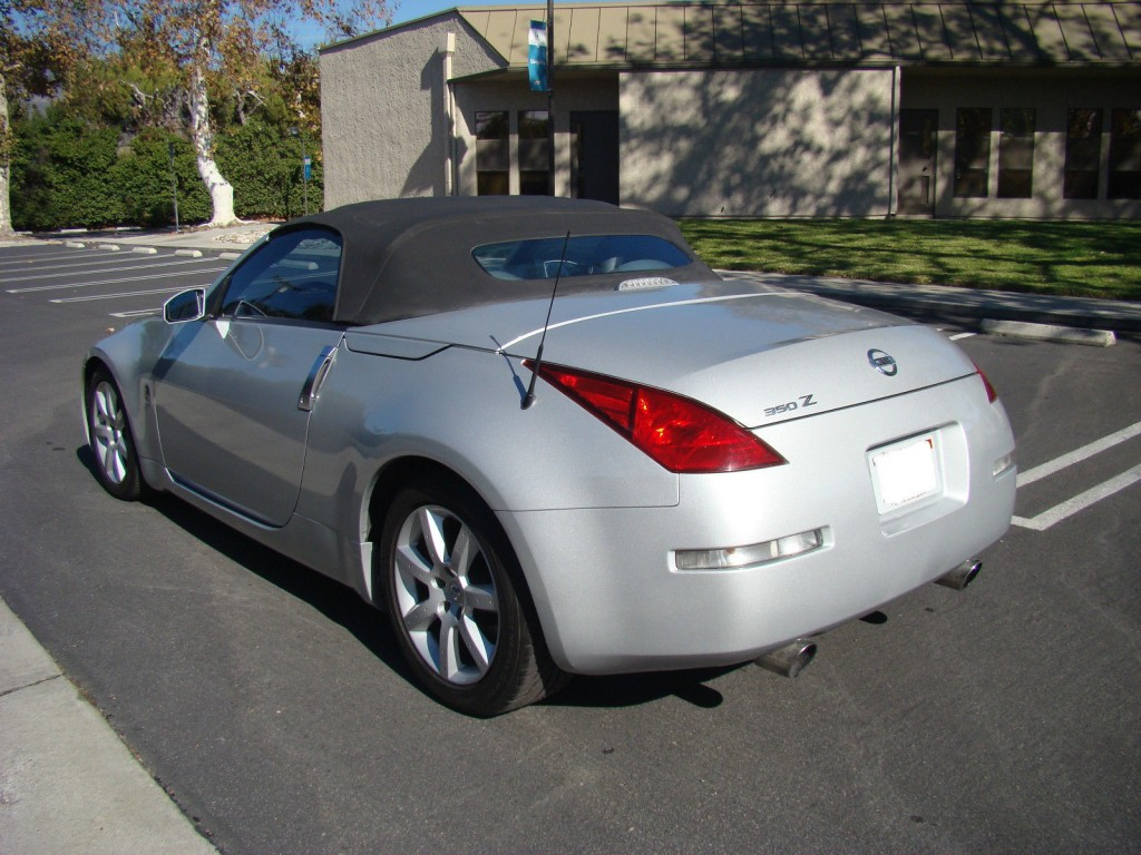 2004 Nissan 350Z Enthusiast Roadster Salvage title