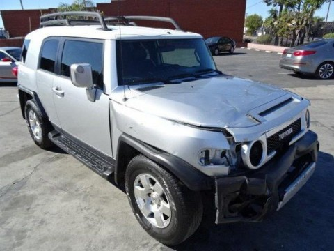2007 Toyota FJ Cruiser 2WD Salvage for sale
