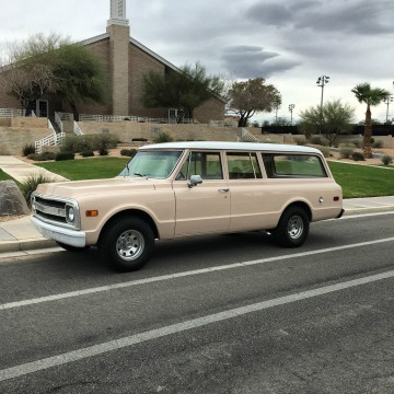 1970 GMC SUBURBAN 1/2 TON 2WD 350 V8 for sale