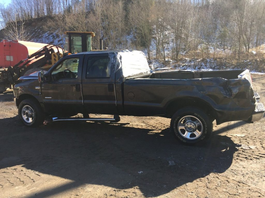 2006 Ford F-350 Super Duty Lariat Crew Cab Pickup