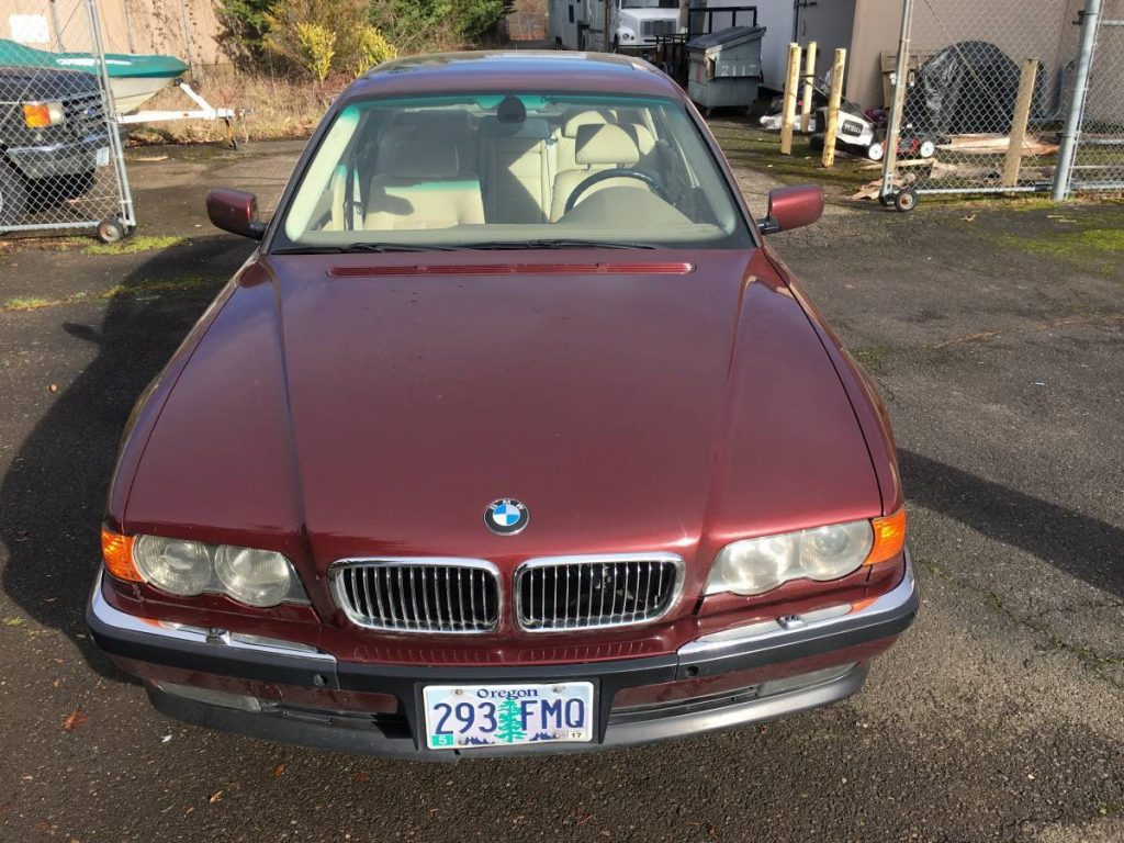 2000 BMW 740il with Salvage title