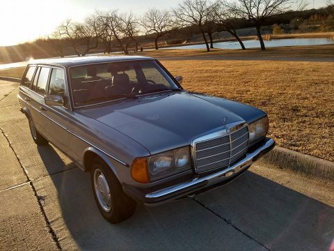 RARE 1980 Mercedes Benz 200 Series Wagon for sale