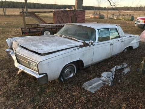 NICE 1965 Chrysler Imperial Crown for sale