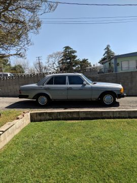 VERY NICE 1983 Mercedes Benz 200 Series for sale