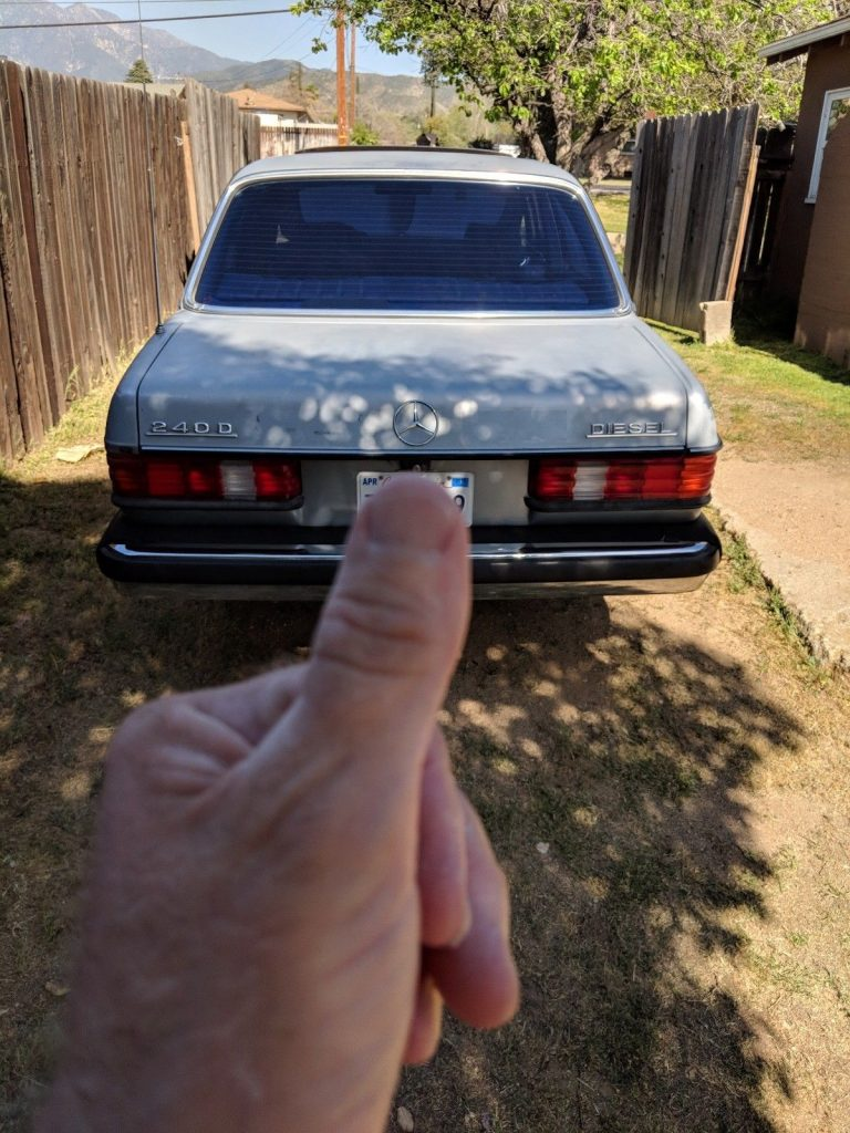 VERY NICE 1983 Mercedes Benz 200 Series